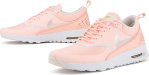 Różowe buty sportowe Nike air max thea z płaską podeszwą