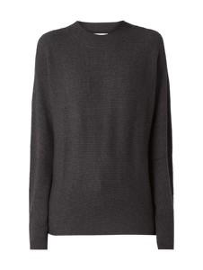 Sweter JUST FEMALE w stylu casual