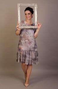 Sukienka Oscar Fashion z szyfonu z okrągłym dekoltem w stylu casual