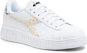 Buty sportowe Diadora na platformie sznurowane