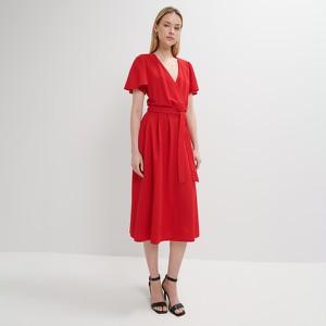 Czerwona sukienka Mohito kopertowa z dekoltem w kształcie litery v z krótkim rękawem