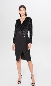 Czarna bluzka Mohito z dekoltem w kształcie litery v w stylu glamour