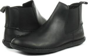 Czarne buty zimowe Kickers ze skóry