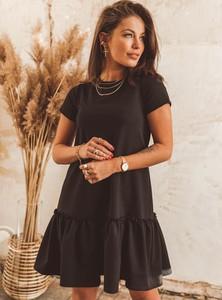 Czarna sukienka SELFIEROOM z okrągłym dekoltem z bawełny