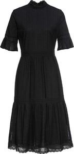 Czarna sukienka bonprix BODYFLIRT trapezowa w stylu casual midi