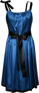 Sukienka Fokus rozkloszowana z okrągłym dekoltem midi