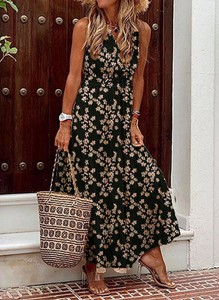 Sukienka Cikelly z dekoltem w kształcie litery v z długim rękawem oversize