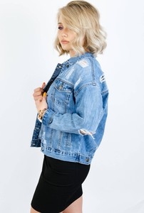 Kurtka Olika krótka z jeansu w stylu casual