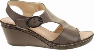 Sandały Suredelle ze skóry w stylu casual
