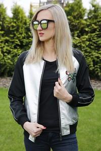 Czarna kurtka Modoline w młodzieżowym stylu