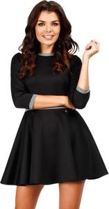 Czarna sukienka MOE mini rozkloszowana z okrągłym dekoltem