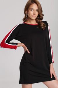 Czarna sukienka Renee z okrągłym dekoltem mini