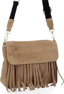 Brązowa torebka VITTORIA GOTTI matowa w stylu boho z frędzlami