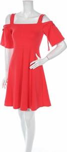 Czerwona sukienka Asos z krótkim rękawem