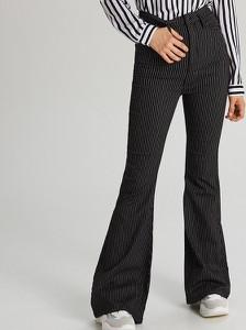 546141db Spodnie damskie Cropp, kolekcja lato 2019