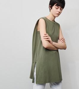 Zielona bluzka Reserved w stylu casual z okrągłym dekoltem