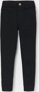 Czarne jeansy dziecięce Reserved