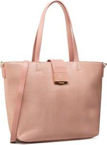 Różowa torebka Quazi na ramię