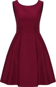 Sukienka Apart z okrągłym dekoltem rozkloszowana