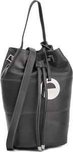 Czarna torebka Simple w wakacyjnym stylu średnia
