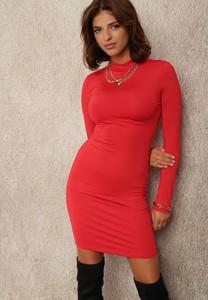 Czerwona sukienka Renee dopasowana z długim rękawem z okrągłym dekoltem