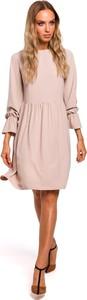 Różowa sukienka Merg z długim rękawem z okrągłym dekoltem w stylu casual
