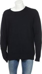 Niebieski sweter J. Lindeberg z okrągłym dekoltem
