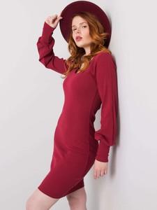 Czerwona sukienka Sheandher.pl z bawełny w stylu casual dopasowana