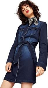 Granatowa sukienka Pepe Jeans z kołnierzykiem mini