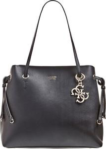 Czarna torebka Guess duża w wakacyjnym stylu ze skóry ekologicznej