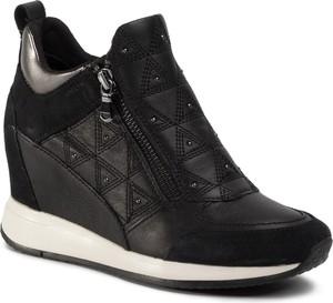 Sneakersy Geox na koturnie
