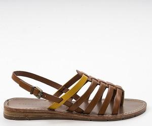 Sandały Chattawak z klamrami w stylu casual ze skóry
