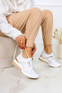 Buty sportowe Kati ze skóry z płaską podeszwą