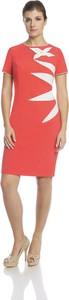 Czerwona sukienka Fokus asymetryczna z okrągłym dekoltem z krótkim rękawem