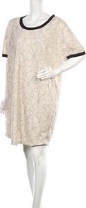 Sukienka Junarose mini w stylu casual z okrągłym dekoltem