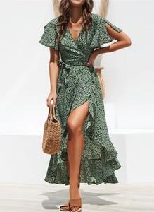 Zielona sukienka Arilook midi kopertowa z dekoltem w kształcie litery v