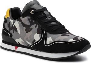 Buty sportowe Guess sznurowane z zamszu
