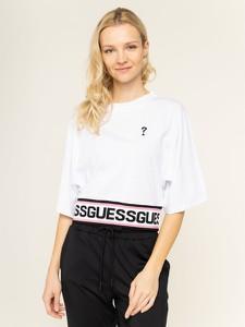 T-shirt Guess z krótkim rękawem z okrągłym dekoltem w młodzieżowym stylu