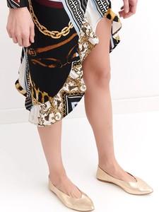 Złote baleriny Top Secret ze skóry ekologicznej w stylu casual