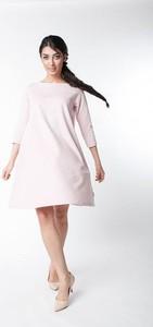 Różowa sukienka Ekoszale z okrągłym dekoltem mini w stylu casual