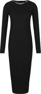Czarna sukienka Superdry z długim rękawem w stylu casual z okrągłym dekoltem