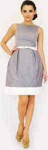 Brązowa sukienka Camill Fashion bez rękawów z okrągłym dekoltem bombka