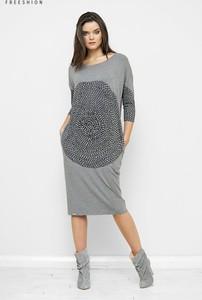 Sukienka Freeshion midi z długim rękawem