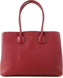 Czerwona torebka Furla ze skóry w stylu casual
