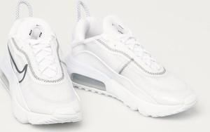 Buty sportowe Nike Sportswear na platformie ze skóry ekologicznej