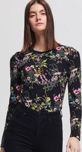 Bluzka Reserved z okrągłym dekoltem z długim rękawem