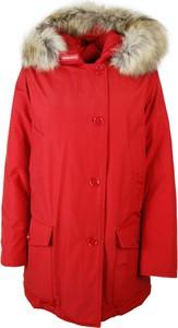 Czerwony płaszcz Woolrich w stylu casual