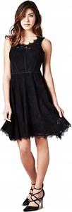 Sukienka Guess z okrągłym dekoltem