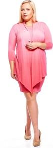 Różowa sukienka Fokus ołówkowa
