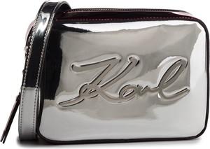 71f54ab9f85e7 Srebrna torebka Karl Lagerfeld w młodzieżowym stylu